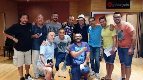 Martínez Ares y la Chirigota de Vera Luque cantan en 'Torrente 5' una canción con Sabina y Segura