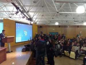 Estudiantes irrumpen en el claustro de la UCA