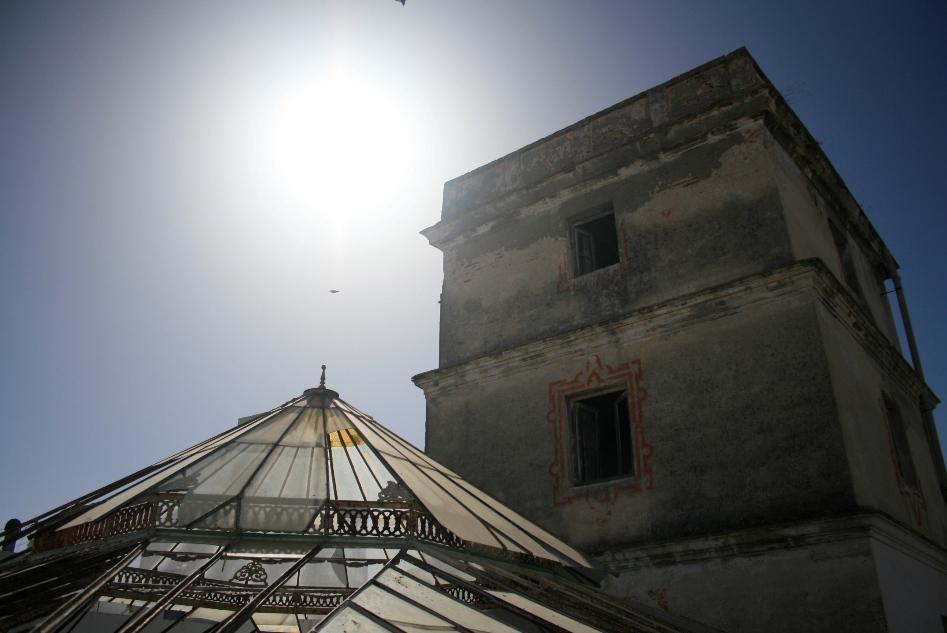 Montera y la torre mirador de la finca desde la que se tiene una vista de Cádiz prácticamente en 360 grados, ya que no hay ninguna construcción más alta en la zona.